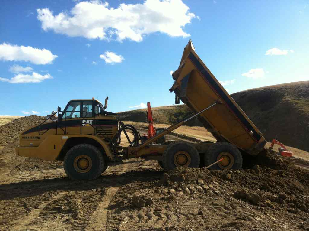 Large image for 2004 Caterpiller 735 6x6 Rock Truck